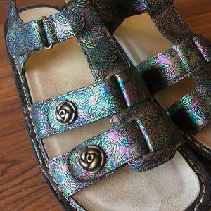 Algeria Kleo Abalone Rose Sandals